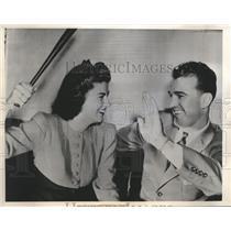 1940 Press Photo Chubby Dean pitcher for Philadelphia Athletics & wife Jean