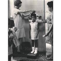 1969 Press Photo Day Care Center Health Habits of Kids - RRW35931