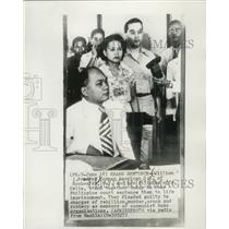 1952 Press Photo William J. Pomeroy, former American G.I. & wife in Philippines