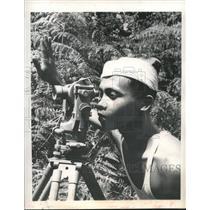 1960 Press Photo Indonesian surveyor works for American oil company in Sumatra