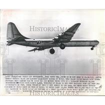 1946 Press Photo The XB-36 United States Bomber Plane shown in flight