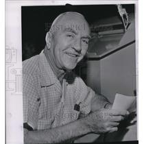 1960 Press Photo World War I pilot Eddie Rickenbacker celebrates 70th birthday