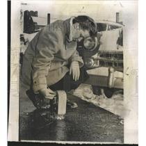 1957 Press Photo Phyllis Hutchins nickel parking meter - RRW50515