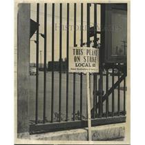 1956 Press Photo Sign Of Chicago Local 65 Steel Strike - RRW37209