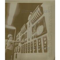 1973 Press Photo Ronald Langheline electronic Bellevue - RRW24327