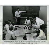 1968 Press Photo Cratsman Handset Western Electric - RRW04119