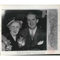 1949 Press Photo Texas Lt Gov Allan Shivers shown with his mother - sba20570