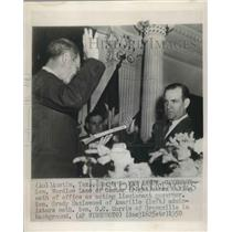 1950 Press Photo Sen Wardlow Lane takes oath as acting Lieutenant Governor of TX