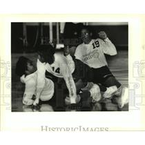 1994 Press Photo Easton vs Cohen Volleyball Game - Players Collide - noa96224