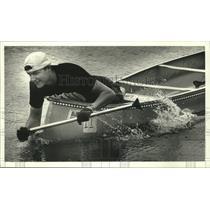 1990 Press Photo Bob Schwister Taking Part in Pewaukee River Run - mjb80643