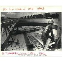 1987 Press Photo Benny DiMacco at East Bank Sewerage Treatment plant, Jefferson
