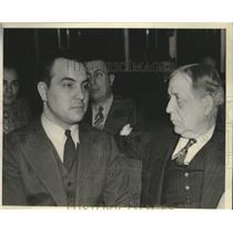 1939 Press Photo Hafis Salich charged with espionage shown with a Marshall