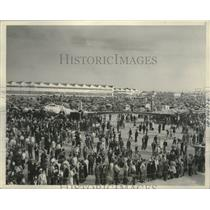 1940 Press Photo Crowd witnessed the air show during National Defense Week