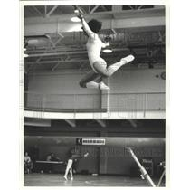 Press Photo Gymnast Stephanie Lewis On The Balance Bean As Another Is On Floor