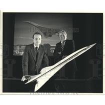 "1987 Press Photo Tom Poberezny, Dick Matt discuss ""Concorde"" jet, Oshkosh"