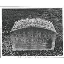 Undated Press Photo Headstone of Mary Towles Sasseen, F