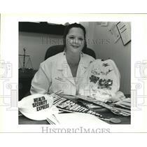1994 Press Photo Sonia Falcon of Health Security Express Health Care Bus Tour