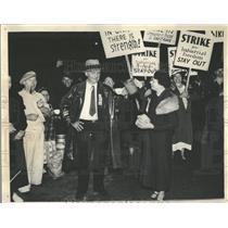 1937 Press Photo Strikers picket plant of Inland Steel