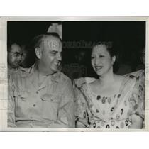 1945 Press Photo Lt Gen Wilhelm Styer & Mrs Sergio Osmena of Philippines