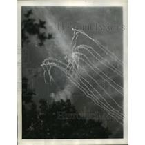 1944 Press Photo Vapor Trails of German Fighter Planes in Carocetta Italy