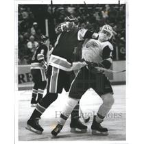 1987 Press Photo Shawn Burr Ice Detroit Red Wings - RRQ04715
