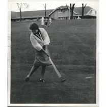 1961 Press Photo Louise Suggs- Pro Golfer - mjb98066
