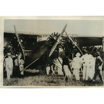 """1928 Press Photo The """"Southern Cross"""" surrounded by Curious Suva residents"""