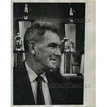 1964 Press Photo Hank Crisp - abna23683