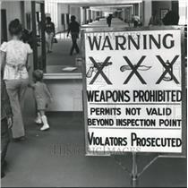 1977 Press Photo Warning Sign at Municipal Airport, Birmingham, Alabama