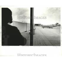 1981 Press Photo American Airlines Plane at Birmingham Municipal Airport
