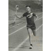 1971 Press Photo Birmingham Special Olympian Carries Olympic Flame In Torch Run