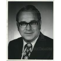 1974 Press Photo Milwaukee Sales Manager for Air Canada Al Rogers - mjc00361