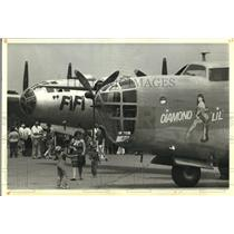 1984 Press Photo B-29 war planes FiFi and Diamond Lil during stop in Parkersburg