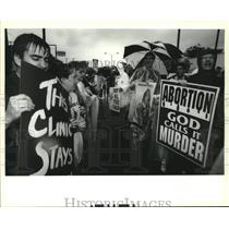 1995 Press Photo Pro Choice supporters in front of the Gentilly Medical Clinic