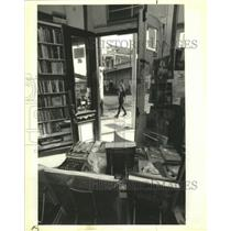 1991 Press Photo The view from the inside of the Fauborg Marigny Bookstore.