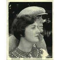 1934 Press Photo Pat O'Brien & wife at First National Studio - mjz05575