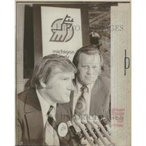 1974 Press Photo John Wilson ice hockey head coach news - RRQ18923