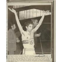 1974 Press Photo Emile Puttemans Belgium Indoor Record - RRQ19041