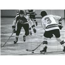 1975 Press Photo Denver Spurs Defense Chris Evans - RRQ20529