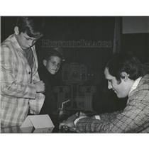 1978 Press Photo Sports Night Fans Angie Loukas Bills - RRQ22221