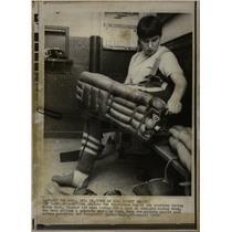 1970 Press Photo Karen Koch semi-pro hockey goalie