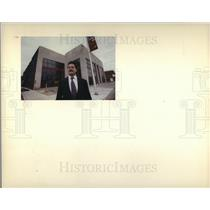 1990 Press Photo Nino Cutraro night club in porteai