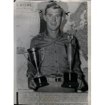 1944 Press Photo Glenn Dobbs American Football player