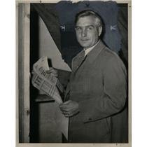 1944 Press Photo August Gus Scholle UAW CIO Union Votes