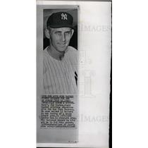 1960 Press Photo Jim Coates New York Yankees pitcher - dfpd28293