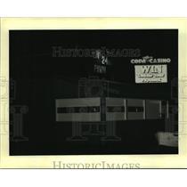 1995 Press Photo 24-Hour Pawn Shop Near Gulf Coast Casinos, Highway 90