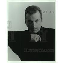 1997 Press Photo Leon Hall - nob23327