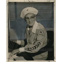 Press Photo American Red Cross volunteer Mrs. John Fischer - noo17733
