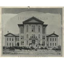 1875 Press Photo Old Lincoln public school in Milwaukee, Wisconsin. - mjx46880