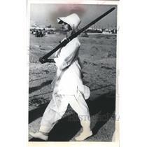1965 Press Photo Karachi college girl given military training in Pakistan.
